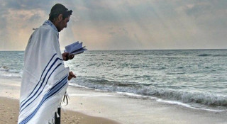Moving Story: Despair Os Non-Existent, Hashem Is Always with Us